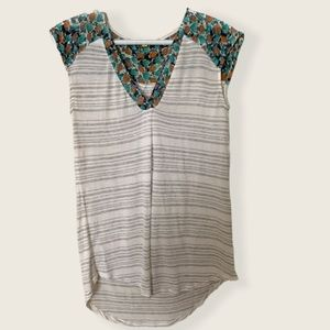 Anthropologie Little yellow button floral tank top